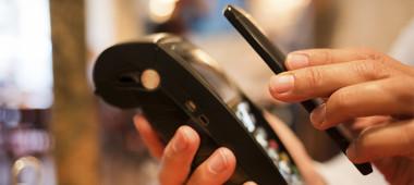 NFC based card emulation versus a light wallet